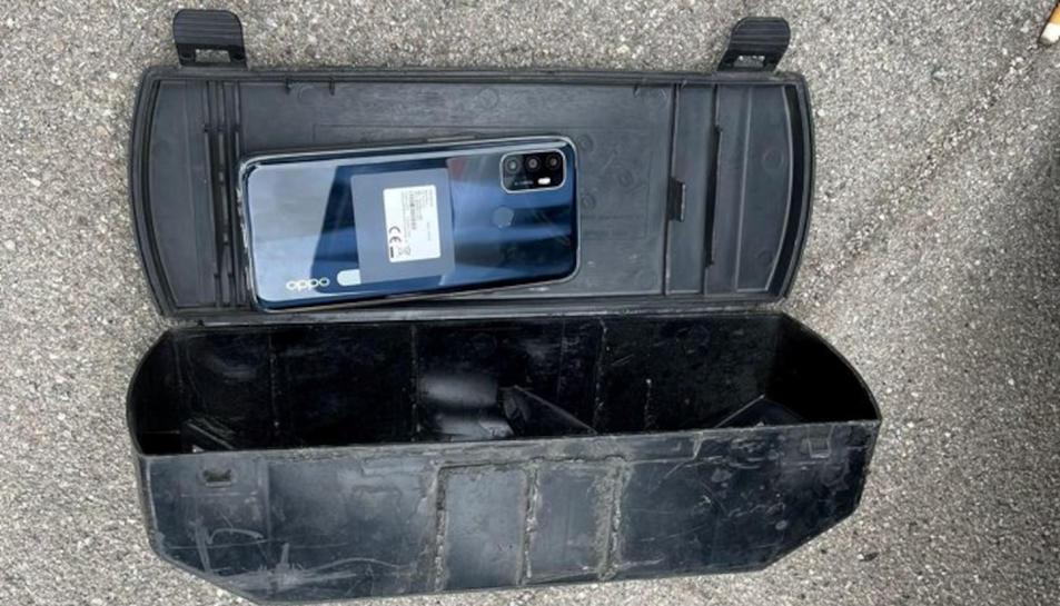 Un mòbil robat per una banda criminal a Terrassa.