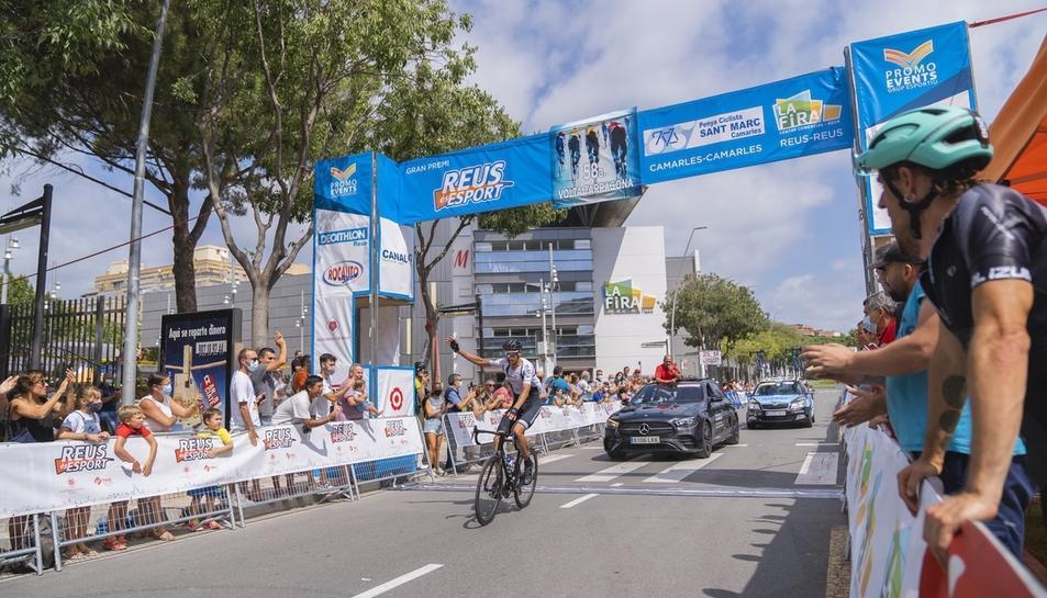 La Volta Ciclista a Tarragona va acabar a Reus (1)