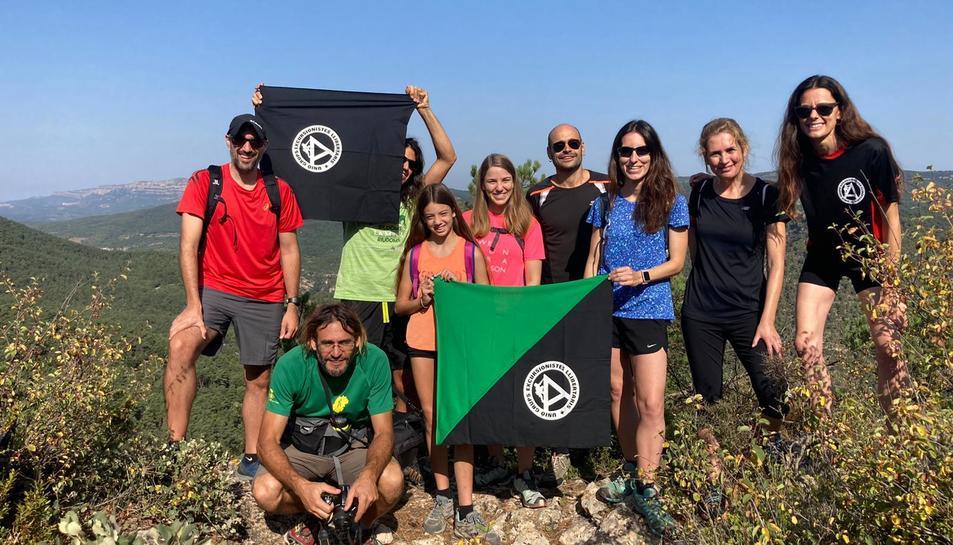 Membres de La Somereta Lliure al Mirador de la Roca del Migdia de la Febró.