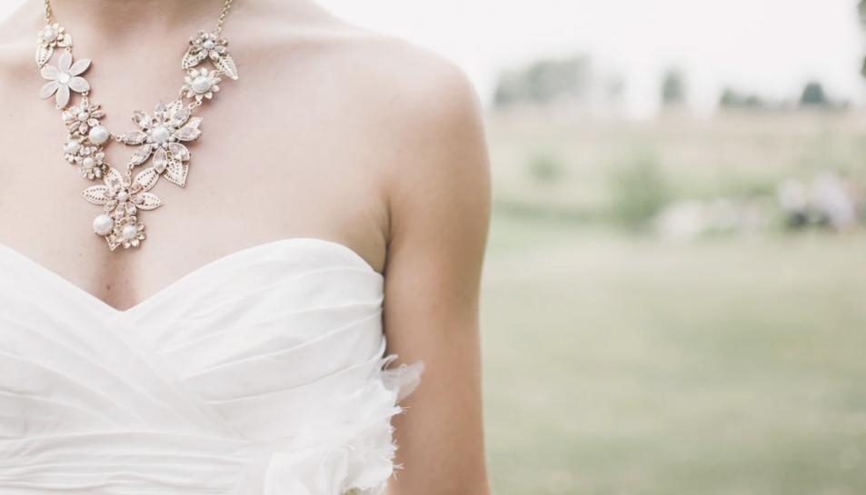 Un vestit de núvia.