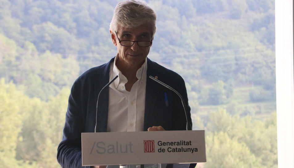 El conseller de Salut, Josep Maria Argimon, durant l'acte de presentació del pla de prevenció de suïcidis a Olot.