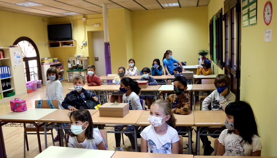 Una classe de l'escola de Salardú, a la Val d'Aran, amb tots els alumnes amb mascareta.