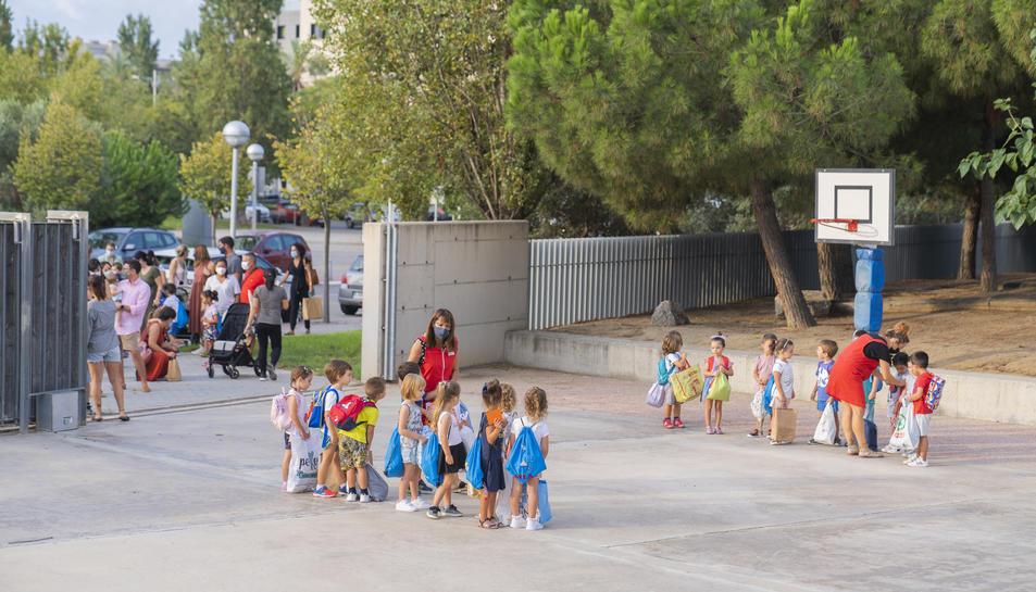 L'Escola Elisabeth de Salou ha optat per mantenir el sistema d'entrades i sortides dels alumnes que es va implantar l'any passat.