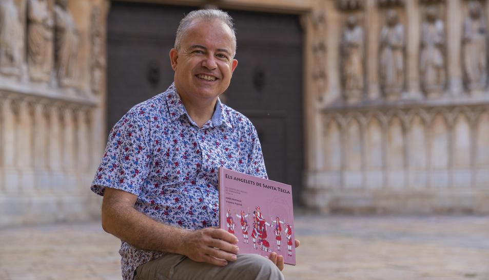 Jordi Bertran, autor el conte, aquest dimarts al Pla de la Seu de Tarragona.