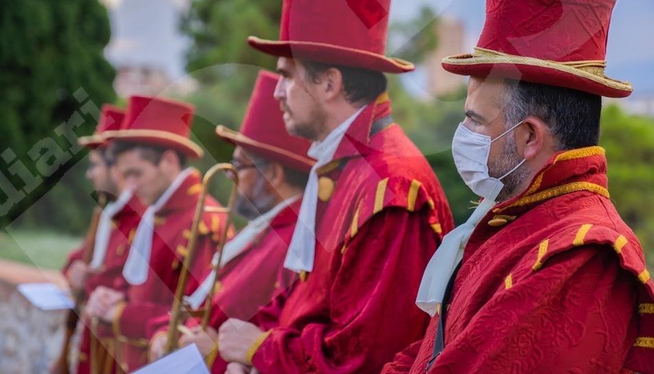 Tret de sortida a les festes de Santa Tecla amb la Crida i la Tronada