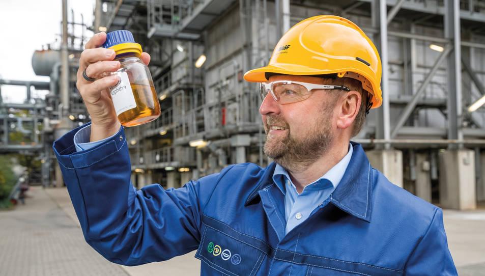 El projecte ChemCycling de BASF permet reciclar químicament plàstics que no es poden reciclar de forma mecànica.
