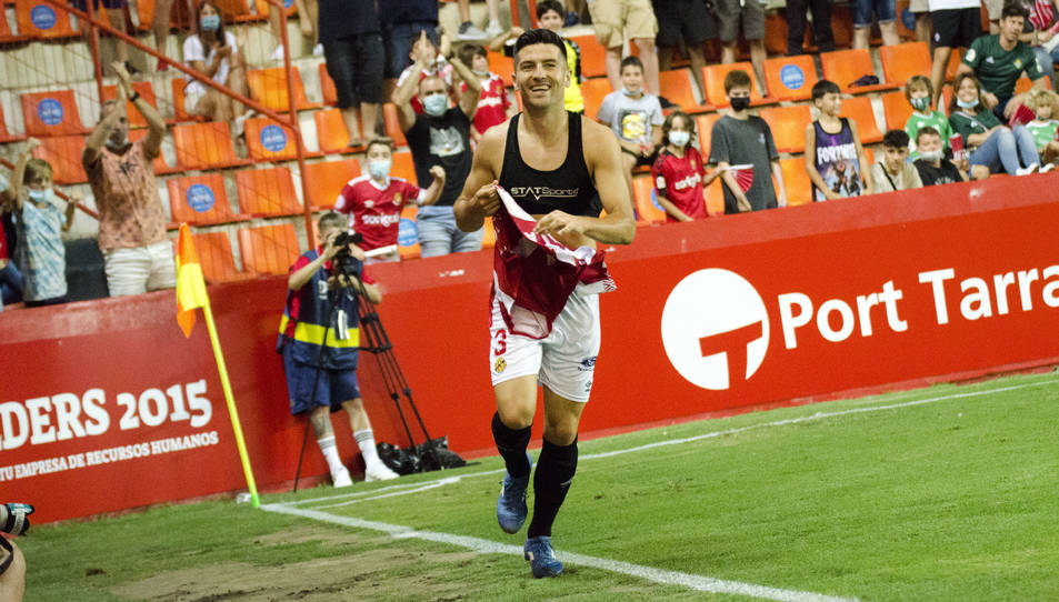 Javi Bonilla, després de marcar el segon gol contra el Betis Deportivo.