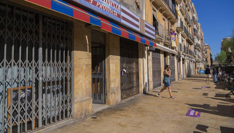 Imatge dels bars tancats durant el Seguici Petit.