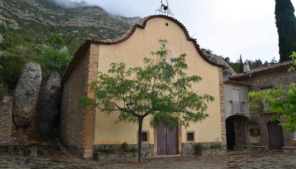 Façana de l'ermita de Sant Joan del Codolar.