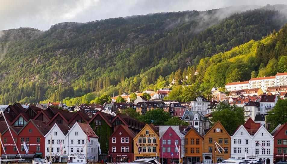 Imatge de recurs d'una vila de Noruega.