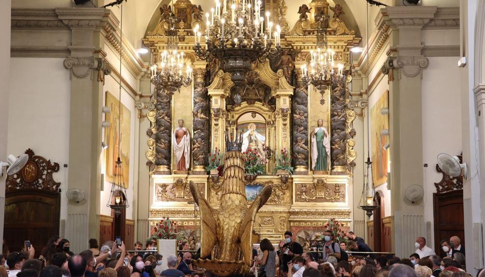 L'Àliga ha realitzat el Ball Solemne dins del Santuari.