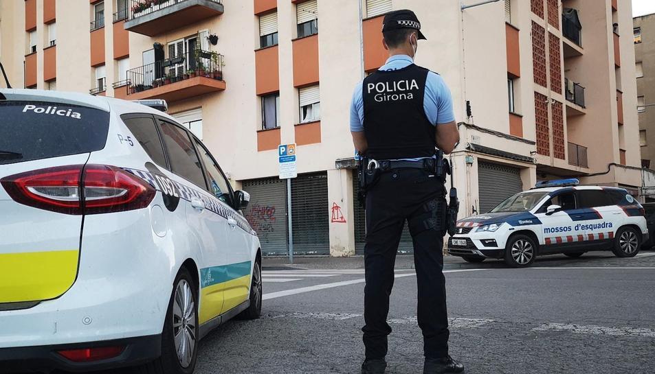 Imatge d'arxiu d'un dispositiu de la policia local de Girona.