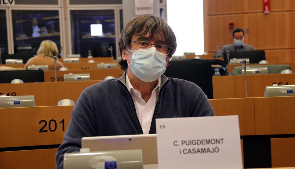 L'expresident i eurodiputat de Junts Carles Puigdemont a la seva arribada a la comissió de Comerç Internacional del Parlament Europeu.