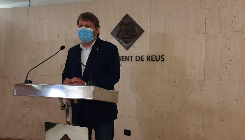 El regidor de Salut i Ciutadania durant el balanç de la campanya de sensibilització contra la covid.