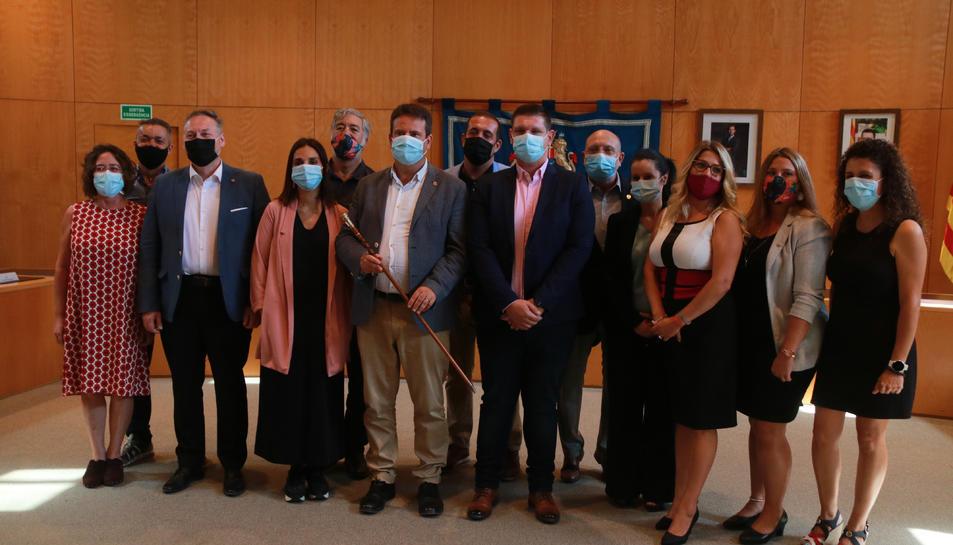 Pla general dels signants de la moció de censura a Cambrils, que han donat l'alcaldia a Oliver Klein (NMC).