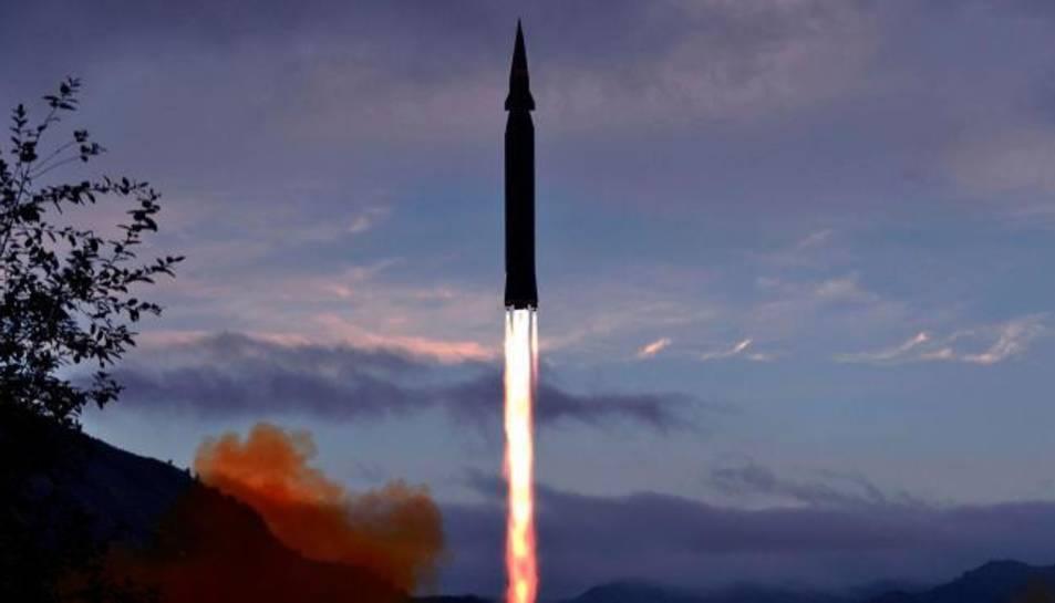 El míssil, durant una prova.