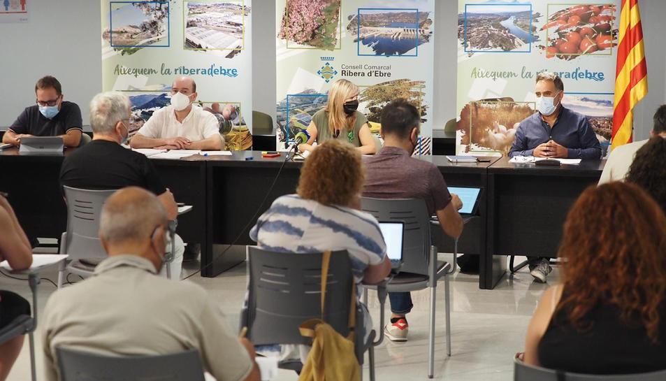 Pla general de la sessió del Consell Comarcal de la Ribera d'Ebre.