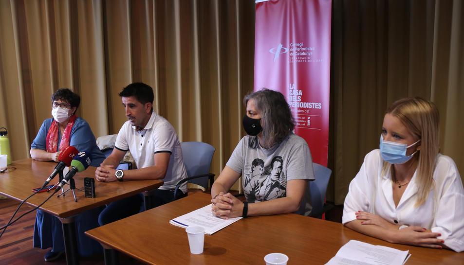 Els representants de la Taula de Salut Mental de les Terres de l'Ebre durant la compareixença per presentar el Mes de la Salut Mental.