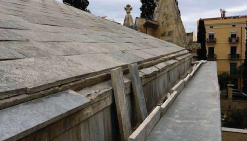 Algunes de les pedres de Sant Vicent s'han desprès.
