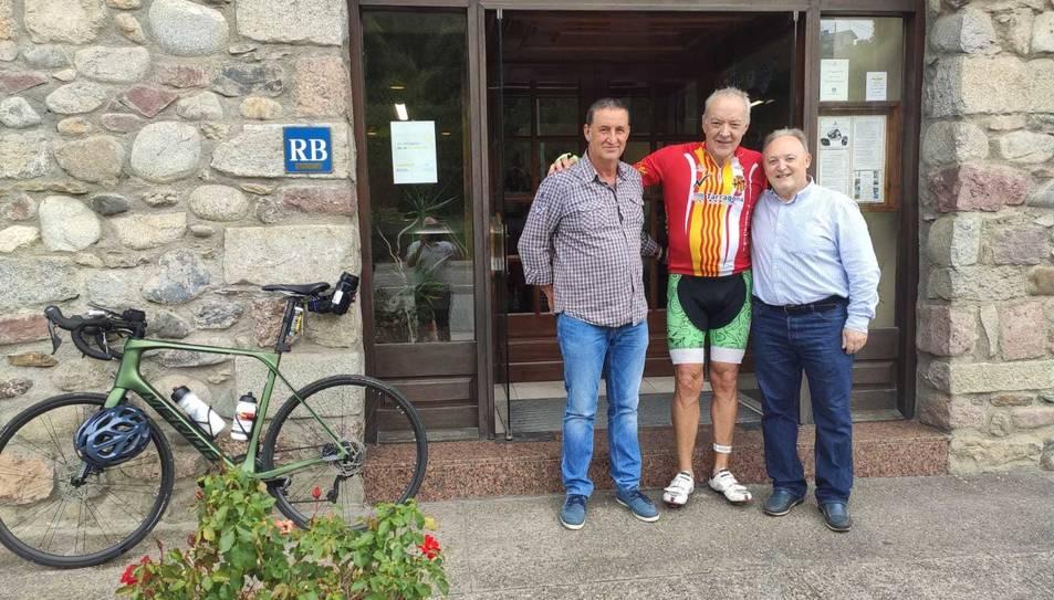 Ricardo Pacheco amb l'alcalde de Perafort i Nacho De Balle (amic d'ambdós i veí del Rourell).