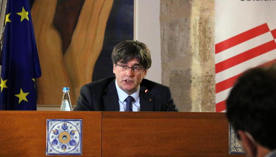 L'expresident Carles Puigdemont durant la roda de premsa a l'Alguer després de la vista al Tribunal d'Apel·lació de Sàsser, a Sardenya el 4 d'octubre del 2021.