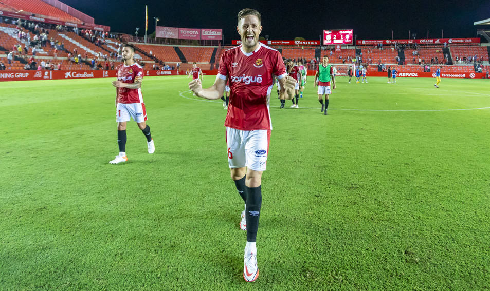 Edgar Hernández, feliç després de marcar un gol a l'Alcoyano fa dues jornades.