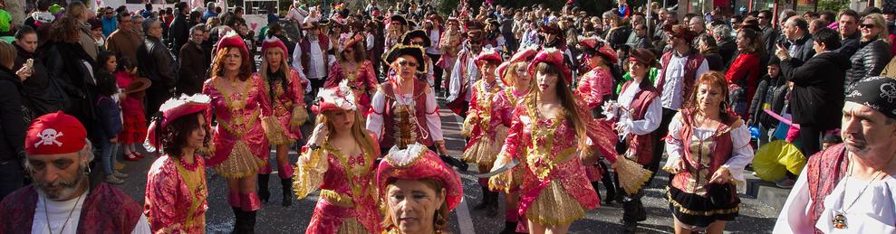 Colles participants a la rua de lluïment matinal en la darrera edició del Carnaval.