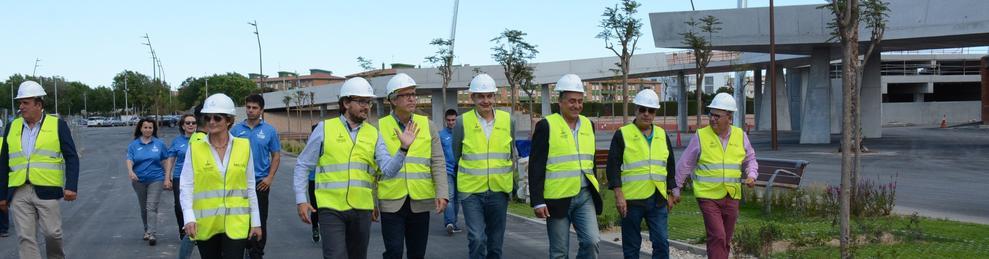 Zapatero, durant la visita per l'Anella.