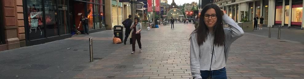 L'Anaïs Amorós en un dels carrers de la ciutat escocesa de Glasgow.