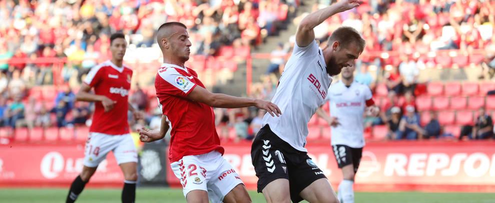 Sergio Tejera, durant el partit que va disputar el Nàstic contra l'Albacete aquesta temporada al Nou Estadi.