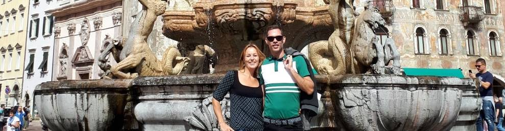 Clara Mallafré Colomar y su pareja en Rovereto.