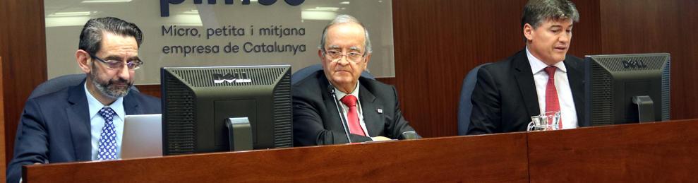 Plano medio del presidente de Pimec, Josep González, durante la Junta Directiva de la entidad.