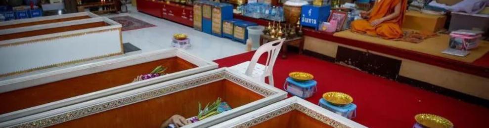 Imagen de una ceremonia de un funeral en vida en Tailandia.