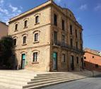 Imatge d'arxiu de la façana de l'edifici de l'Ajuntament de Calafell.