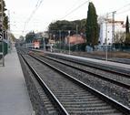 Las vías del tren a su paso por Salou que serán desmanteladas.