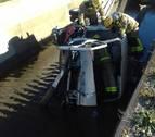 Imatge del camió dintre del canal.