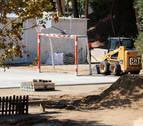 El pati de l'escola Vilamar de Calafell mentre hi circulen excavadores a pocs dies de l'inici del curs 2020-21.