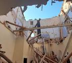 Imatge de l'estat en que ha quedat l'església després de l'esfondrament de l sostre.