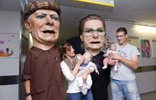 Els Nanos reparteixen somriures als infants del Joan XXIII