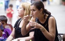 El gelat Ametlla blanca crua omple la plaça Verdaguer