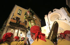 Los portadores del Àliga invitan a «dar la espalda» a las autoridades durante las fiestas