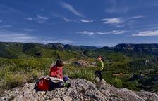 Recurrir paso a paso la naturaleza y los paisajes interiores del Baix Camp