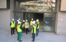 Imatge de la visita de membres de la CET al mercat, aquest dijous