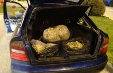 Els agents van localitzar la càrrega al maleter del cotxe durant un control policial rutinari.