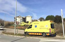 Imatge d'arxiu d'una ambulància i l'helicòpter del SEM.