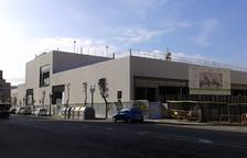 Aspecto que ofrecía ayer el futuro complejo deportivo de la avenida de Andorra.