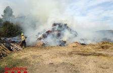 Un incendi crema un paller a Horta de Sant Joan