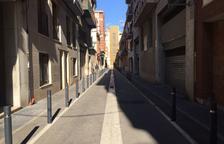Un home amenaça de mort amb un ganivet als veïns del Serrallo