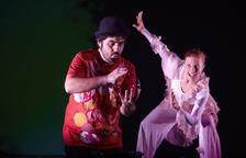 El Teatro Àngel Guimerà continúa la programación con el espectáculo familiar 'Bombolles de paper'