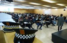 Uns 250 aspirants es presenten per a 14 places d'agents interins de Policia Local